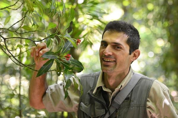 hiring-costa-rica-tour-guide